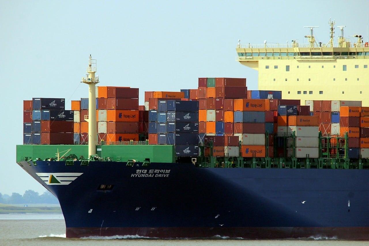 Contraloría: las mercancías salen con retrasos de los puertos