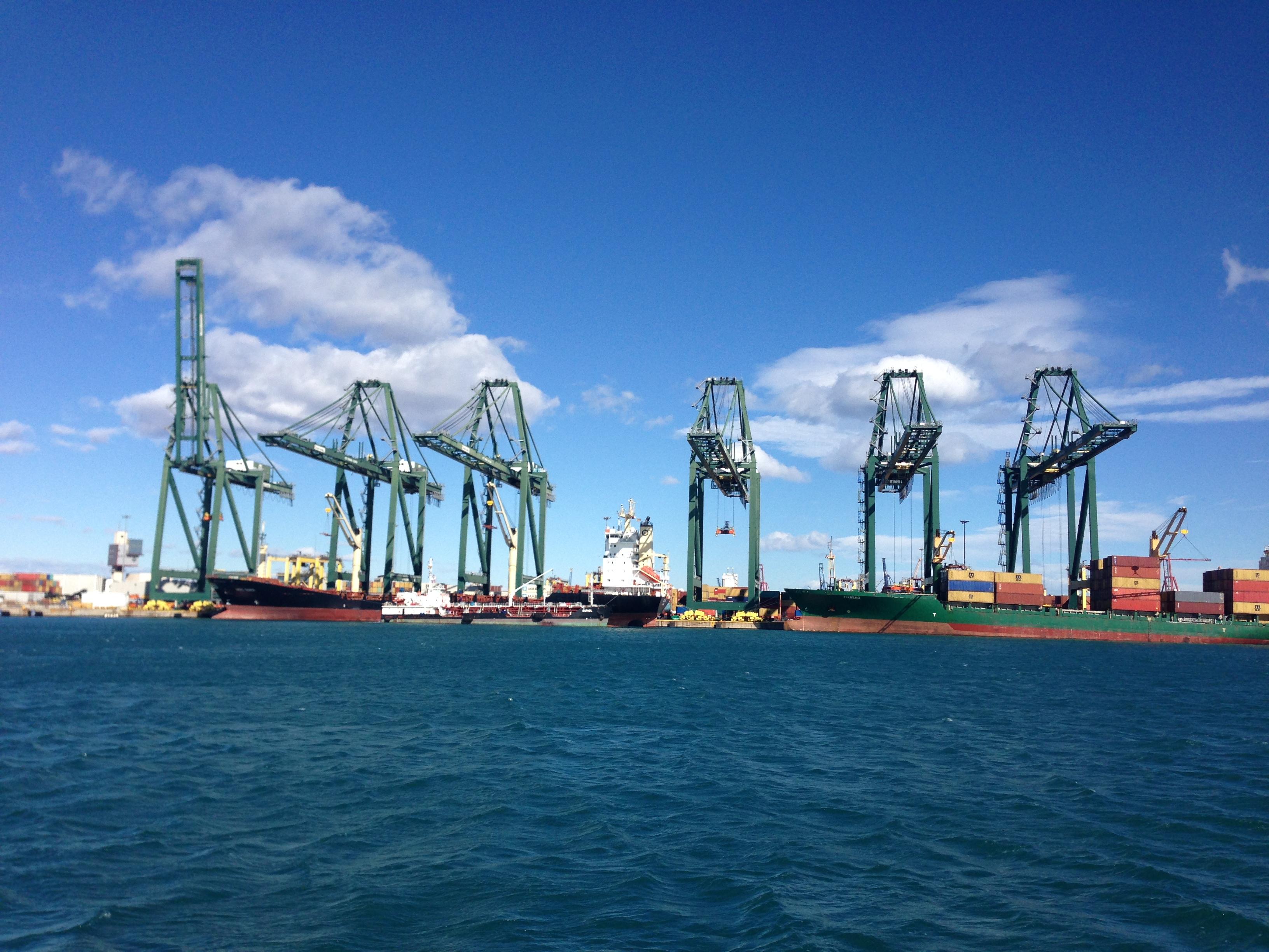 transporte marítimo consolidado
