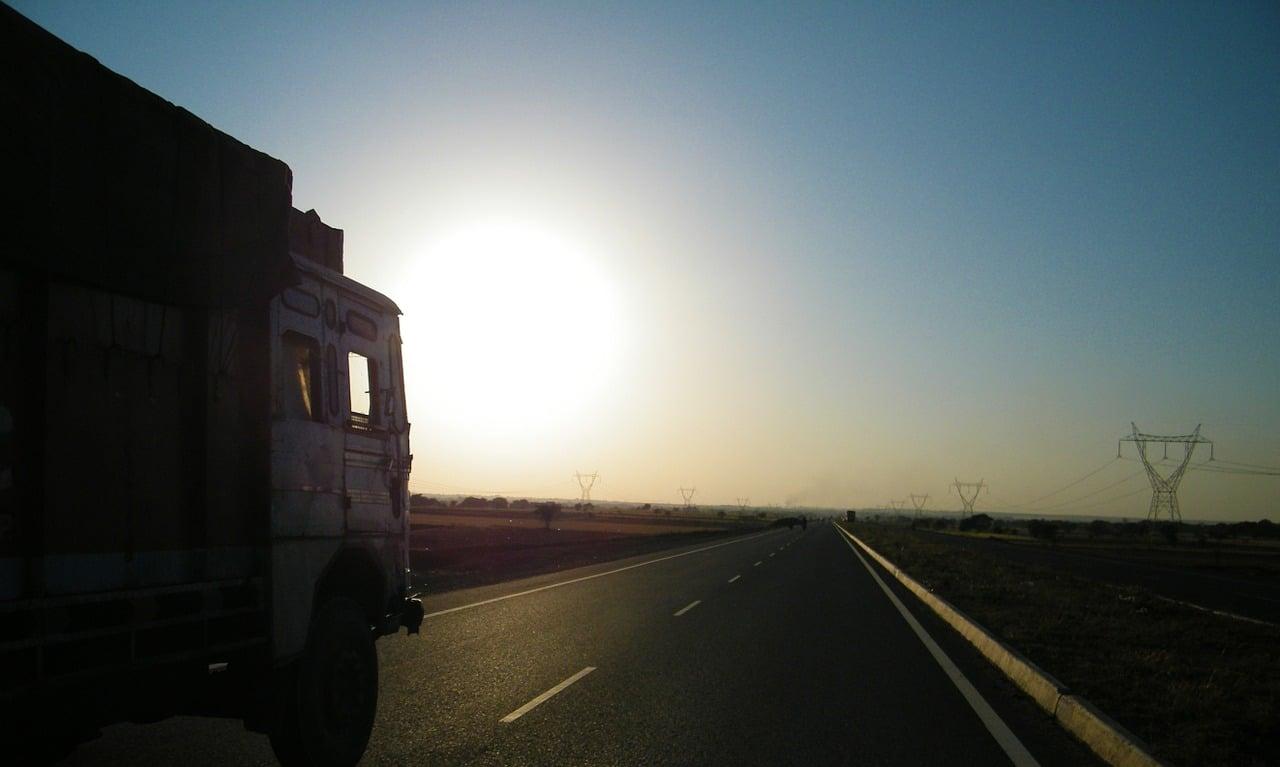 road-692063_1280